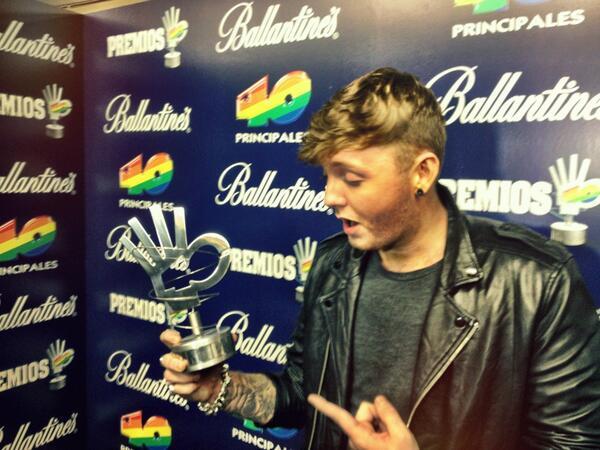 James Arthur no se cree que ha ganado un #Premios40Principales 2013! Seguimos emitiendo la gala en directo. http://t.co/UPpoCxL9qs