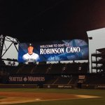 RT @RobinsonCano: Thank you for such a great welcome, Seattle. http://t.co/85BsubQfbT