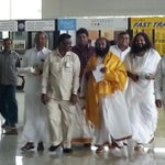#Gurudev @SriSriSpeaks jst reached at Madurai Airport @swamignantej http://t.co/EJ3AHXyc9p