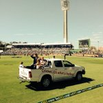 RT @WishartJames: Legend #gilly #ashes @tweetperth @waca_cricket http://t.co/yycvfvGidD