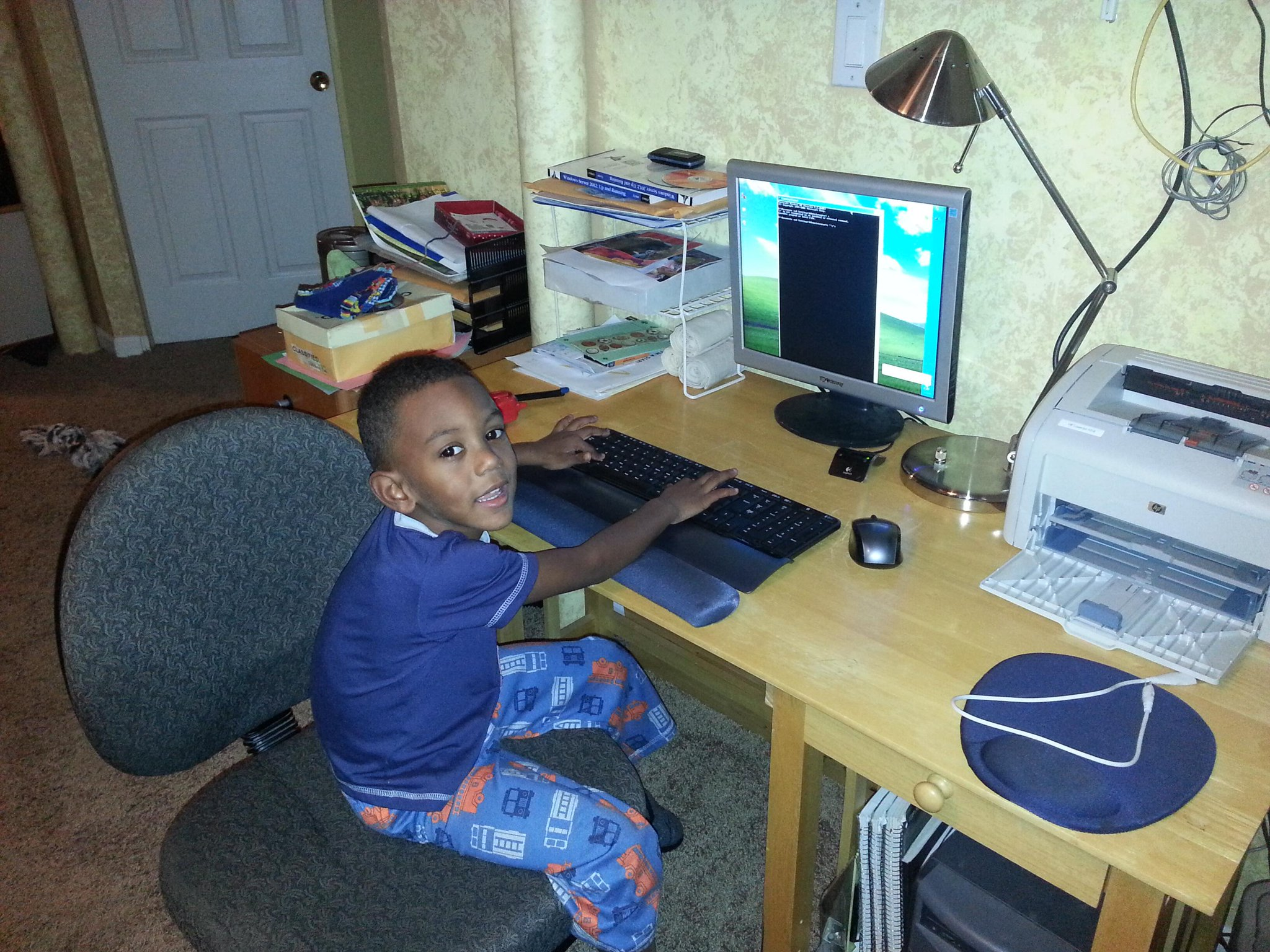 RT @blkintechnology: My son learning the ways of the #commandline #clijedi #NPRBlacksinTech http://t.co/D9dufTQzLt