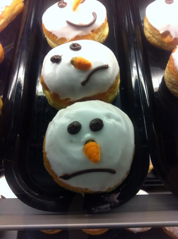 Think someone in Gregg's doesn't have the Christmas spirit http://t.co/pAfZRcTPGv