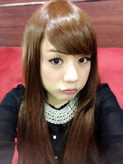 かもめんたる・槙尾ユウスケ (@makiokamomental): 女装して結婚式に出席しました(( ´艸`◎)) http://t.co/kb539LyrCK