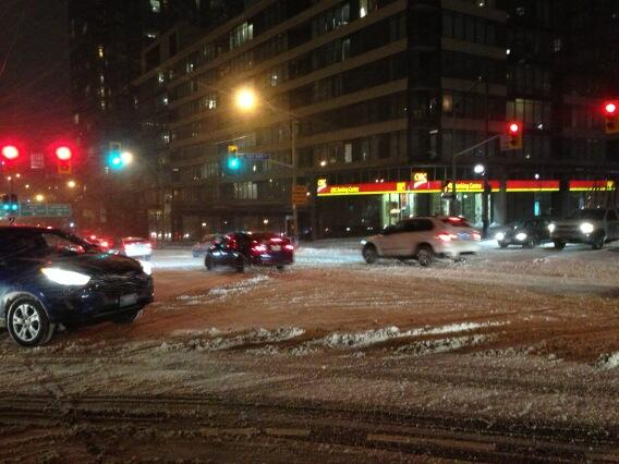 Charlsie Agro (@CBCharlsie): What a difference a few hours make. An even messier Spadina #sl http://t.co/iFmKY6tMUU