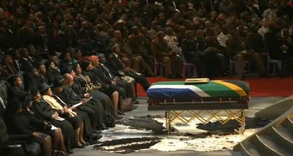 RT @JacaNews: Former president Nelson Mandela's casket lays in front at the #MandelaFuneral http://t.co/jNLIHoVpMi