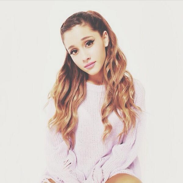 RT @arianaslifee: ariana grande is gorgeous @ArianaGrande 😻💕👏 http://t.co/9m8vtyqqYv
