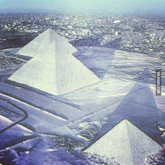 Snow has fallen on the pyramids of Egypt for the first time in 112 years. #snow http://t.co/45bOp2cmH7