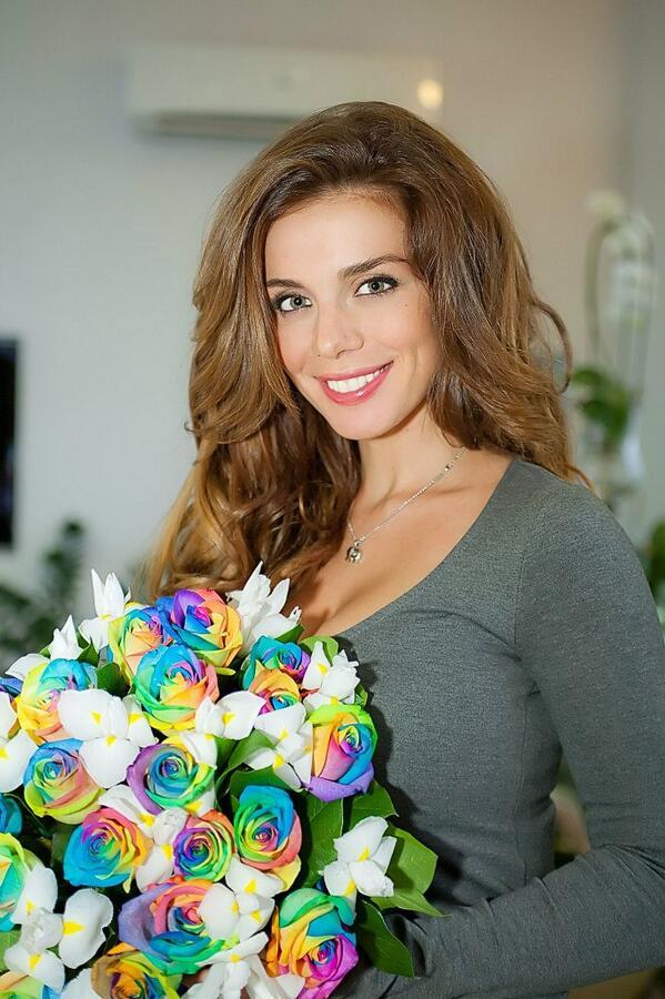 #МУЗКалендарь  Сегодня День рождения @ANNA_SEDOKOVA - #happybirthday http://t.co/AbJoh5i5l5
