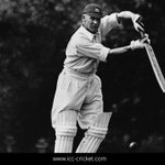 Sir Jack Hobbs was born #onthisday in 1882. He still holds the record for most 1st class runs (61,760) & 100s (199) http://t.co/3W71pRabnp