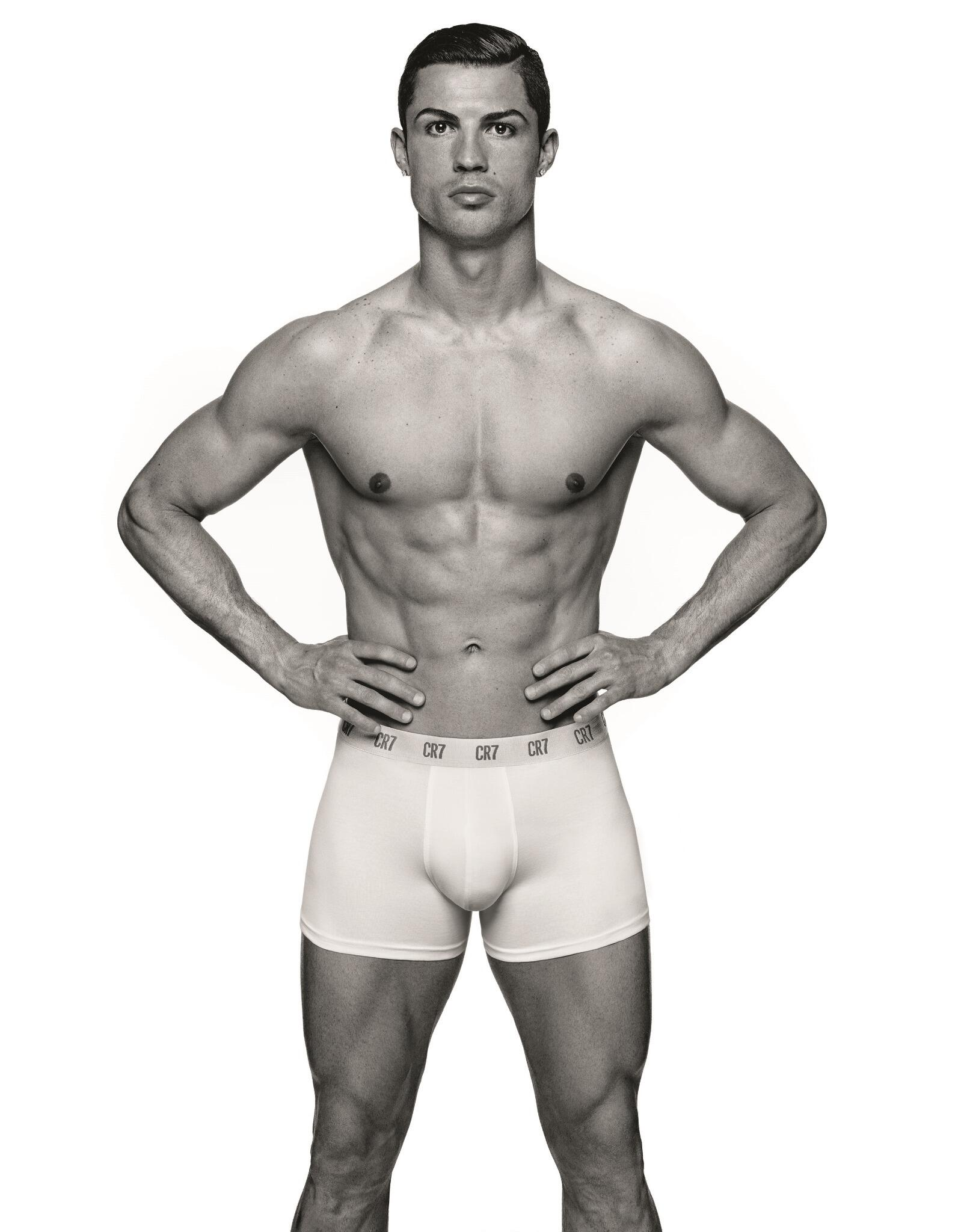 RT @Cristiano: Have you entered my #CR7underwear competition yet? Make sure to visit http://t.co/4t8GFRr7Kh to win some pieces. http://t.co?