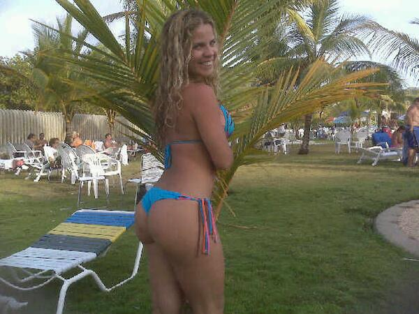TuHiloDental (@TuHiloDental): #ColirioDeLaSemana la nina  @Gabymmendoza #Sexy #Hilo #Tanga #TremendaMami #TremendaFlaca http://t.co/vURwgb0wO5