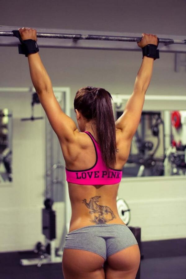 RT @HotFitnessGirls: I love pink and something else about this http://t.co/z3hBuTPhzm