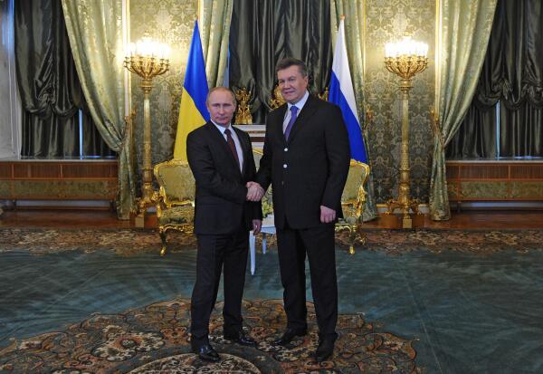 Путин - Януковичу: приобретение украинских еврооблигаций на 15 млрд долларов и скидка на газ в 32,8%
