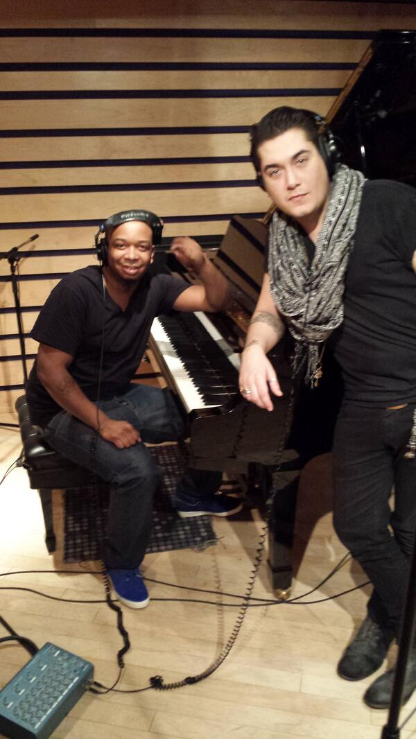 @jonjontraxx & @itsKarlMichael  IN The Studio In NYC Cooking up some new records NOW http://t.co/2ZDPnBfAMd