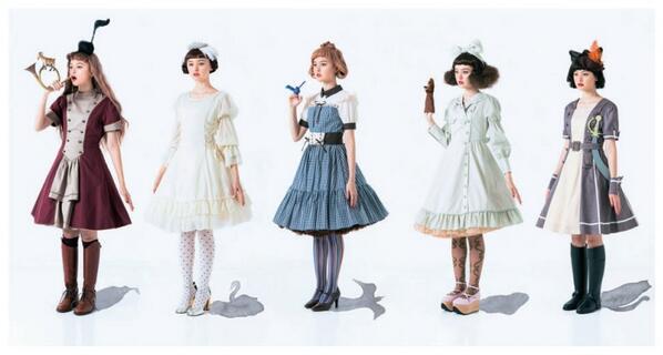 12/22(日)神戸で開催される【ジャパンコスプレコレクション2013】http://t.co/V8HMYIwZAM に世界の童話を楽しむコスチュームセットの会を出展します!試着して写真撮ったりできますよ~^^ #haco http://t.co/YzMnr0wYrw