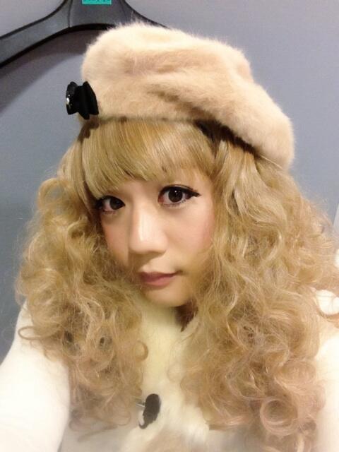 かもめんたる・槙尾ユウスケ (@makiokamomental): ドッキリ見てくださった方、ありがとうございます(( ´艸`◎))私はオネエではなくあくまでJGなのよ。女装芸人♡ http://t.co/K82T8W7IoA