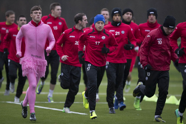 Bc0HAXoCQAAfIil Partick Thistles Gary Fraser wears a pink leotard & tutu at training after losing a forfeit [Pictures]