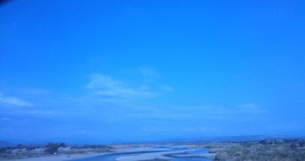 Ligera de equipaje, como nube que pasa, como agua que corre, como viento que sopla http://t.co/NTUmxHVNcF