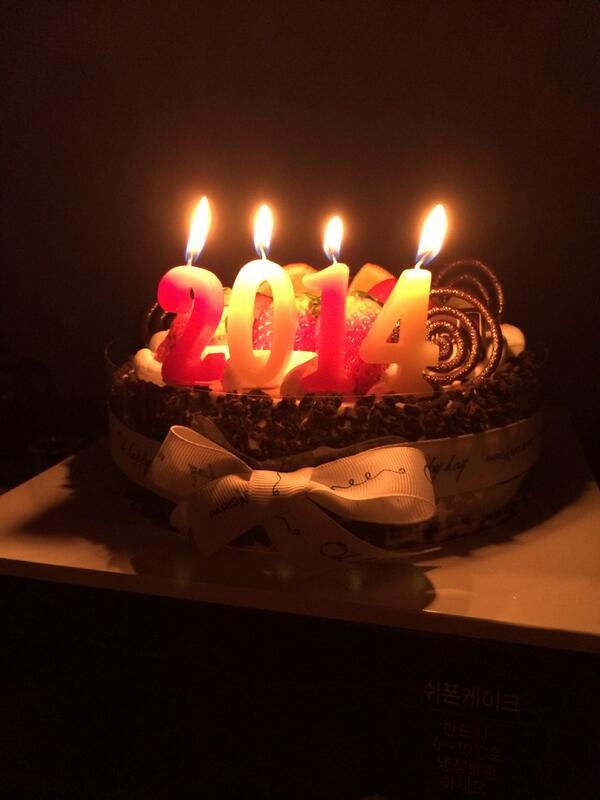 2014년 27살  다들새해복많이받으시고 좋은일만가득하세요⚽️ http://t.co/FemQmyI9e6