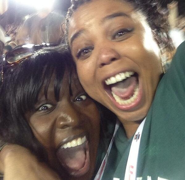 RT @jemelehill: That moment when your alma mater stops Stanford on 4th down to win the Rose Bowl (w/ @kelleylcarter) http://t.co/QIOVuDofL7
