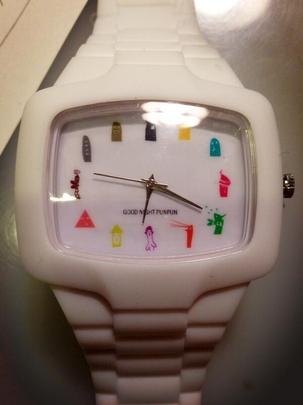 27日発売のプンプン13巻限定版についてくる腕時計、こんな感じのデザインになっております! http://t.co/TEC8uNgYtE