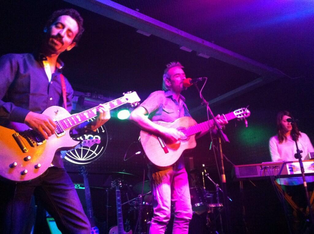 Recordando la gran actuación de ayer del @elautoGnomo con su banda #RECOMENDADO al 100% http://t.co/EzZGhQDfiJ