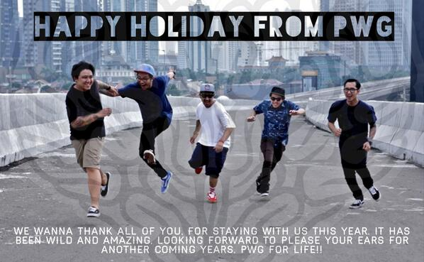 Happy Holiday Dorks :D http://t.co/2Bj3UBfl3P