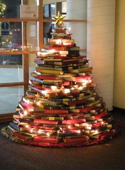 bizim yılbaşı ağacımız... en güzel armağan kitaptır http://t.co/wlGMvj1nAD