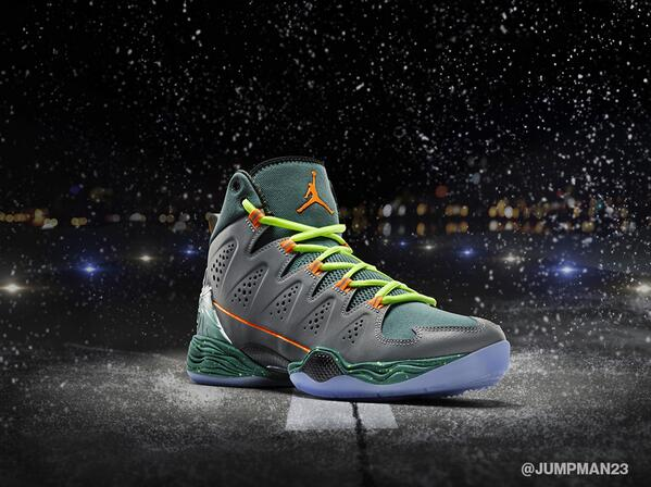 This Wednesday, @CarmeloAnthony will rock the latest Melo M10 in an exclusive Flight Before Christmas colorway. http://t.co/epWPPDnPPK