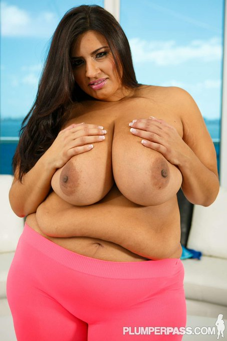 Check out my latest B/G scene at @plumperpass -> #BBW  #bigtits #belly -> http://t.co/cgInMHWVaA http://t