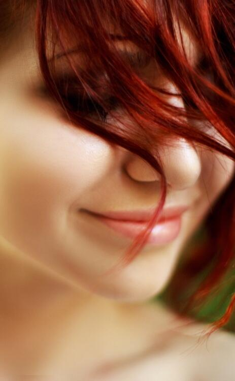 This redhead has a beautiful smile #redhead #ginger http://t.co/pGtLJdUuyi
