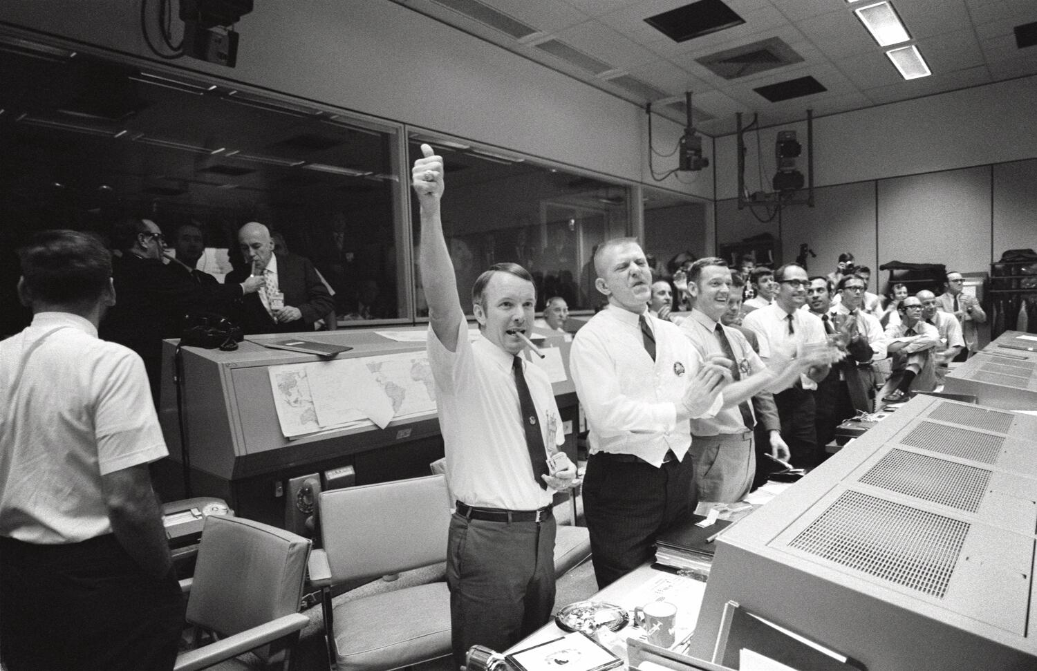"On the 5th day of Christmas, NASA History gave to me ""Failure is Not an Option.""   http://t.co/vZP8eILN0h"
