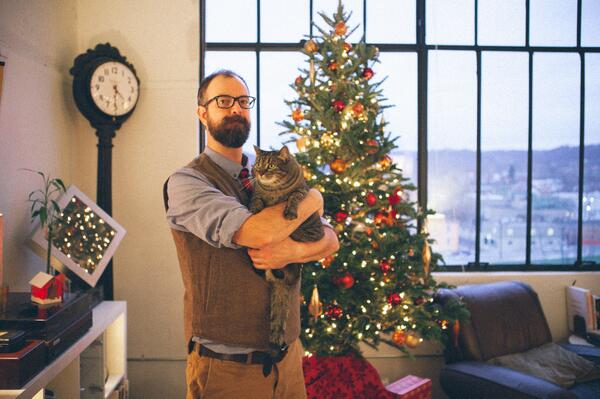 Me and my cat Edie in front of a Christmas Tree : http://t.co/rImevFMawx
