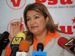 @yelitzePSUV_ NARCOTRAFICANTE YELITZA SANTAELLA QUE USA A SU HIJO DE MULA:  MIERDA ERES Y EN MIERDA TE CONVERTIRAS !! http://t.co/9dn8BCDRz8