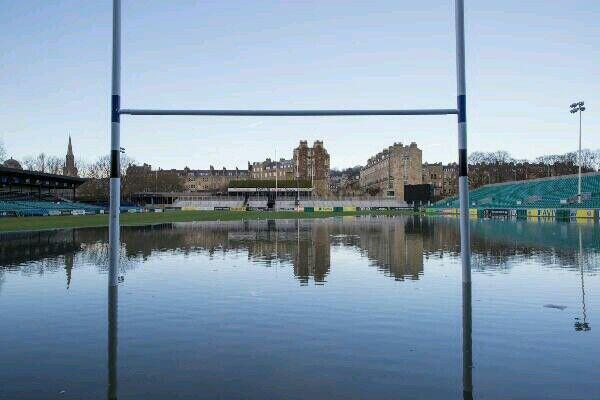 Looks like Bath are so happy with their forward strength these days, they have gone and watered the pitch. http://t.co/UzlUVRPIyo
