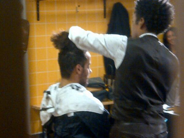 Bc A8nKCcAAmkY7 Tom Huddlestones long wait for a haircut was done in front of a big crowd of press [Pictures]