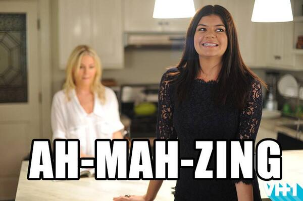 Missed the #HappyEndings marathon? Episodes will re-air four at a time every WED night at +7/6C on @VH1! AH-MAH-ZING! http://t.co/QUt8BwYPT7