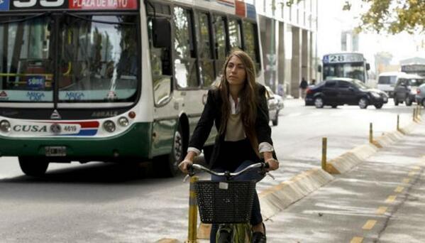 """El ejemplo de Buenos Aires: la ciudad aumentó un 500 % el uso de la bici"" (La Voz) http://t.co/bJcO598cqB http://t.co/IdlYeKLjvE"