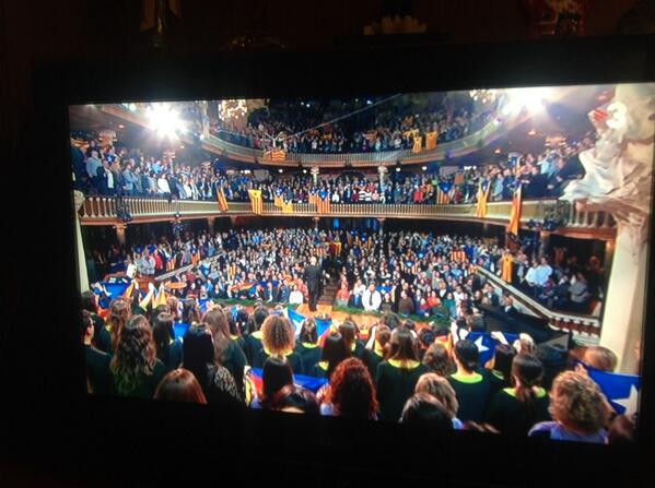 El #PalauMusica s'omple d'estelades amb el Cant de la Senyera!!!! #brutal #pelldegallina #StEsteve100 http://t.co/RviOEAJcmL