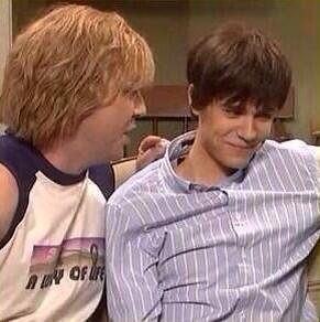 when he tried not to laugh during the 'glice' skit #2013beliebermemories http://t.co/u7bm09TKHx