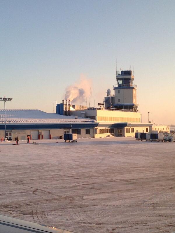 Rick Reichmuth (@rickreichmuth): -38 degrees..Yellowknife Airport. #ready #notready http://t.co/8faebM86zS