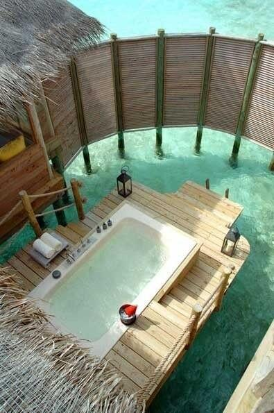 Outdoor bath http://t.co/MTcsNExyQe