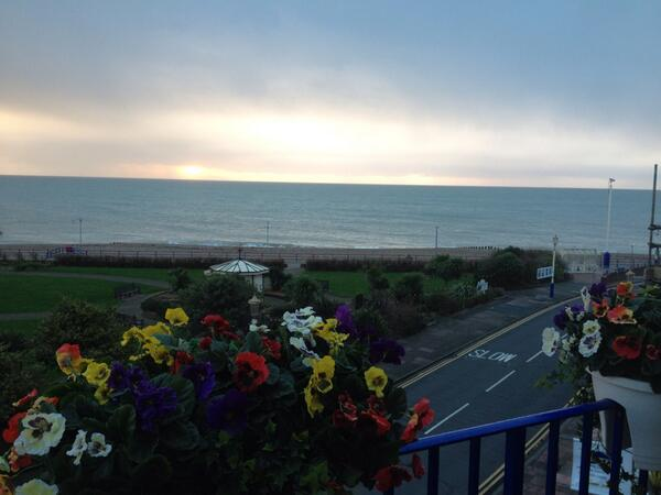 Good morning from beautiful #eastbourne @SeaviewGuestHse http://t.co/jBV1XGIsfw
