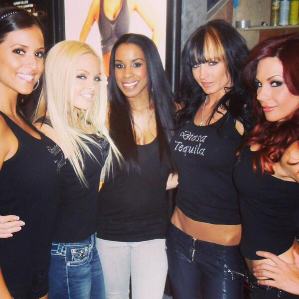 Bar & Nightclub convention in Vegas with janessa @thejessejane  chandella @queenblife @kirsten_price http://t.co/tfAdtvYp5L