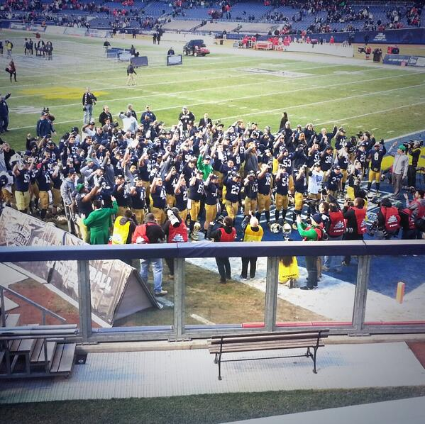 @NDFootball wins the #PinstripeBowl! Final score 29-16, great final game for our seniors! #GoIrish http://t.co/t4sI80cNfE