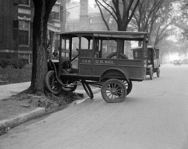 A car accident in Boston, 1927 http://t.co/l3330iY1bK