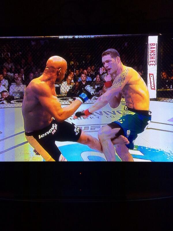 "There are no words for this but ""DAAAYUMMMMMM!"" #UFC168 http://t.co/vamNDfbVi4"