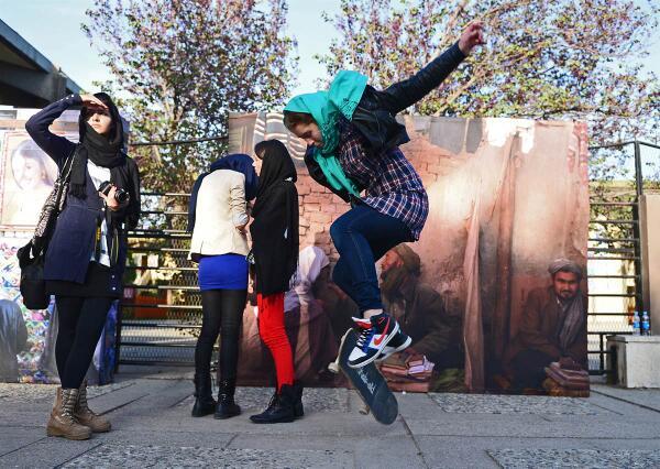 Girl skateboarding in Kabul http://t.co/ljvPOxuqDV