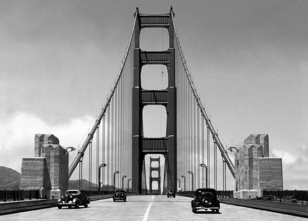 RT @KenWayne: No #GoldenGateBridge traffic worries in 1940. Thanks to Vintage.es http://t.co/jnEG3R0ysm