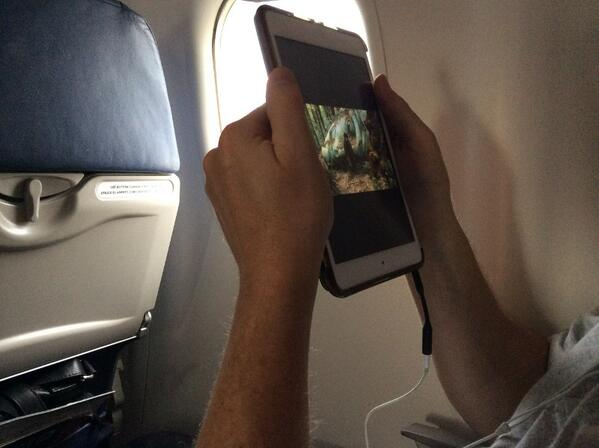 For a geek my OCD is fairly mild. But this guy watching LOTR for hours on an iPad Mini in portrait mode drove me nuts http://t.co/oJHz1Jisbb